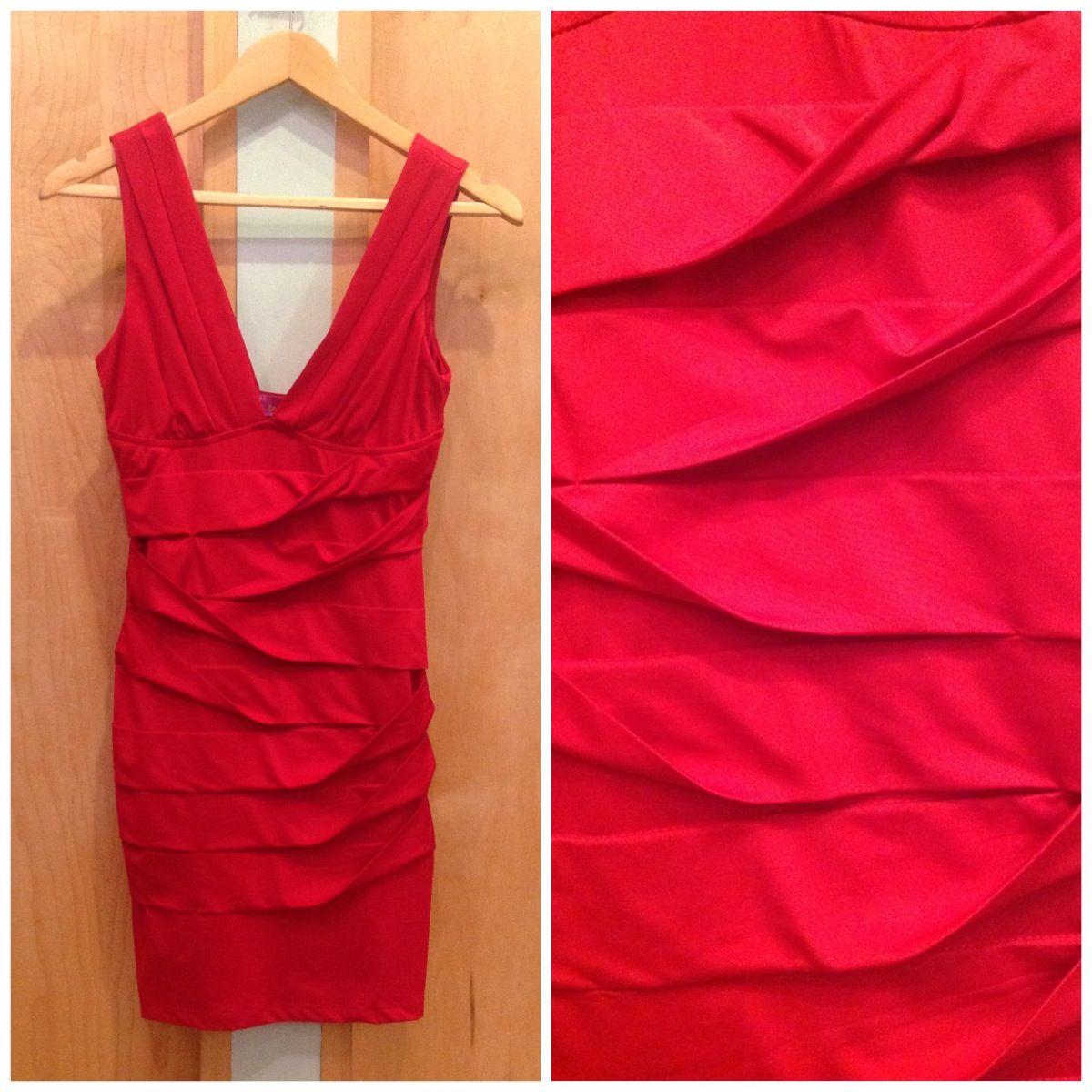 Vestido rojo falda plisada!!