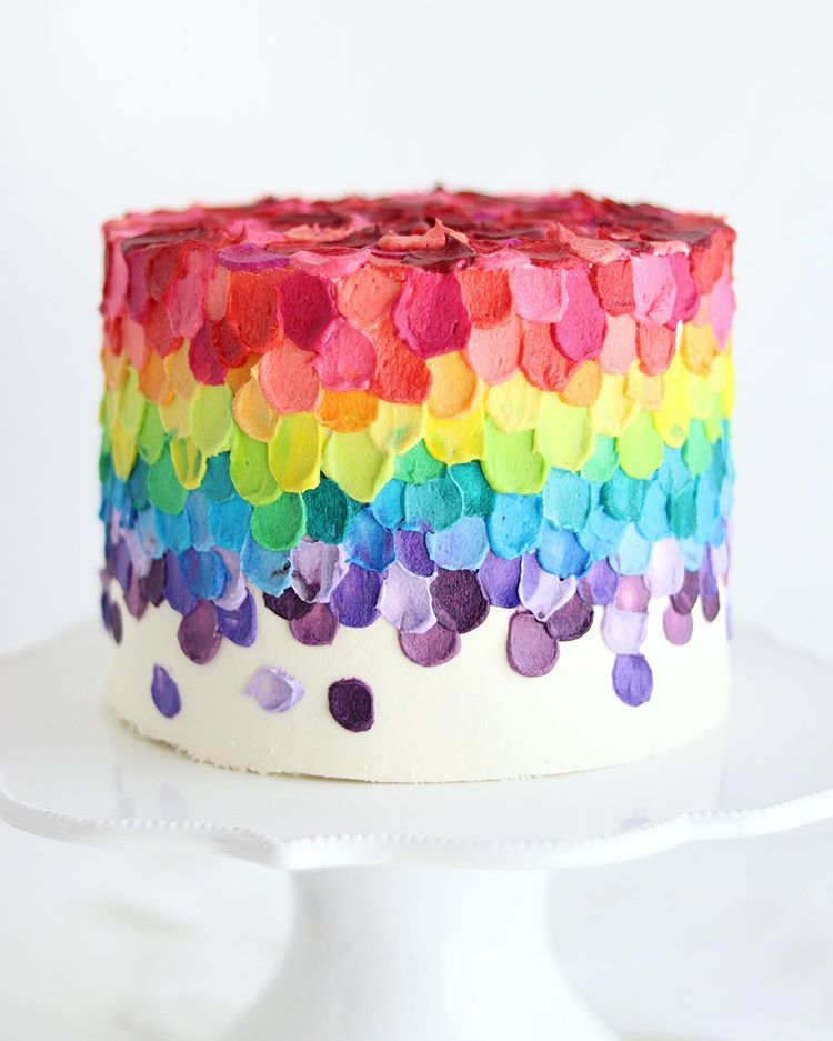 Sugar Sparrow Auf Instagram She S A Rainbow I Mixed Up 16 Different Americolor Shades And Used Buttercream Cake Decorating Fun Desserts Rainbow Cake