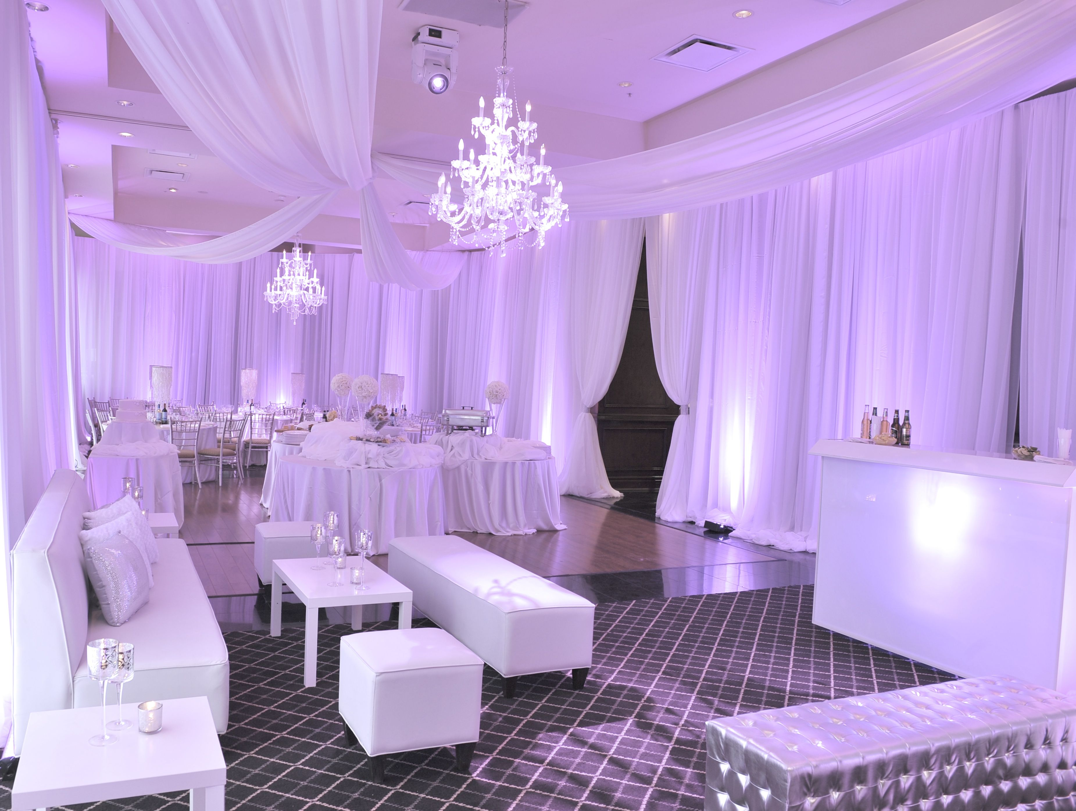 Paradise banquet hall vaughan on prince room for Wedding reception room decoration ideas