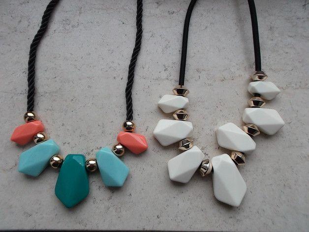 Statement Ketten - Statementkette Kette Halskette Collier weiß/bunt - ein Designerstück von Das-Kreativ-Stuebchen bei DaWanda