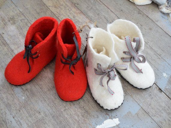 aeed6b27142ee Felted baby shoes leather sole Newborn booties, Baby felt shoes ...