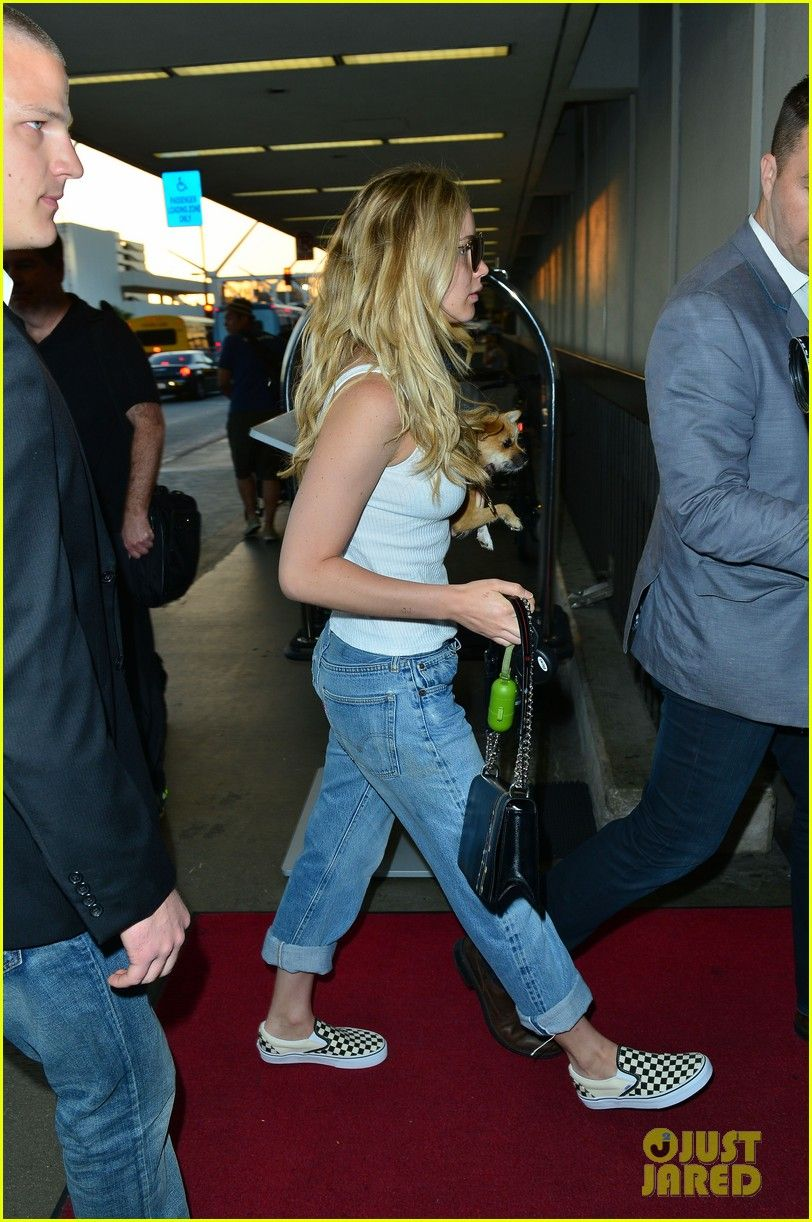 Jennifer Lawrence arrives early to LAX Airport to catch a flight in Los Angeles on Wednesday (24-6-15)
