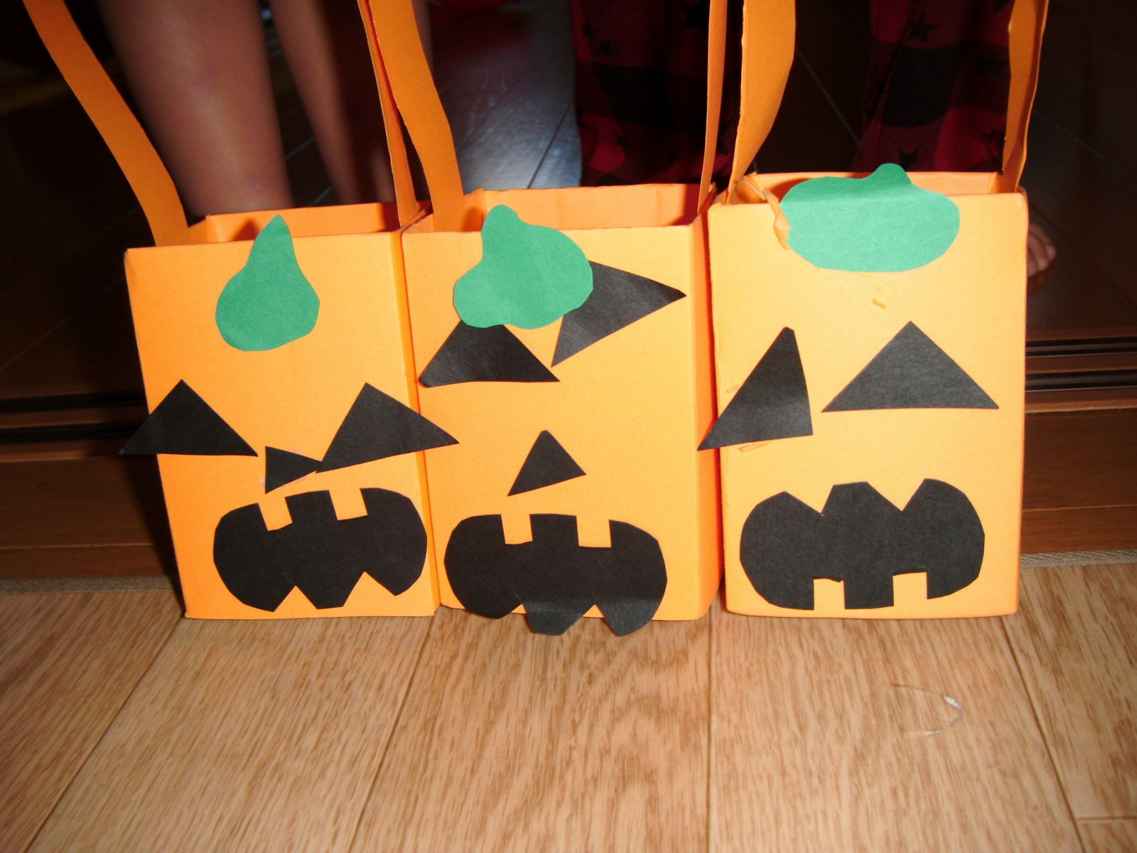 3 Halloween Treat Bags Crafts For Kids Pbs Parents Youtube