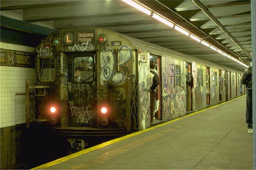 Nyc Subways In The 70 S And 80 S Nyc Subway Nyc Graffiti New York Subway