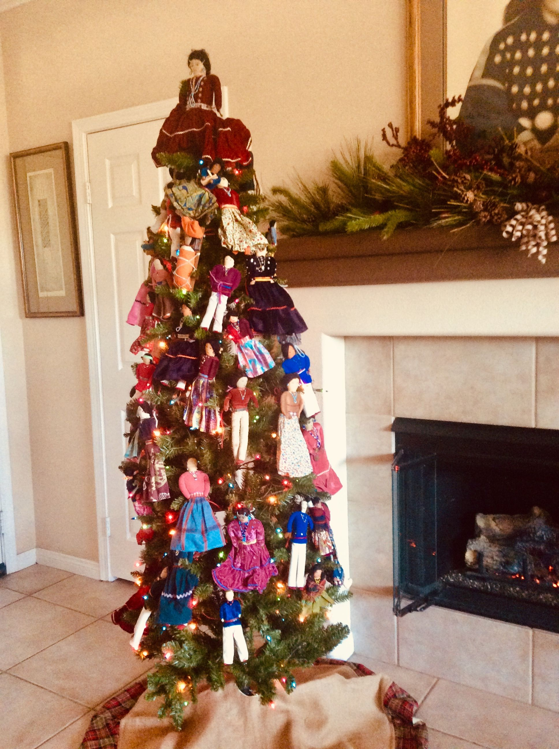 Pin By Jesse Dee On America S Indigenous Holiday Decor Decor Christmas Tree