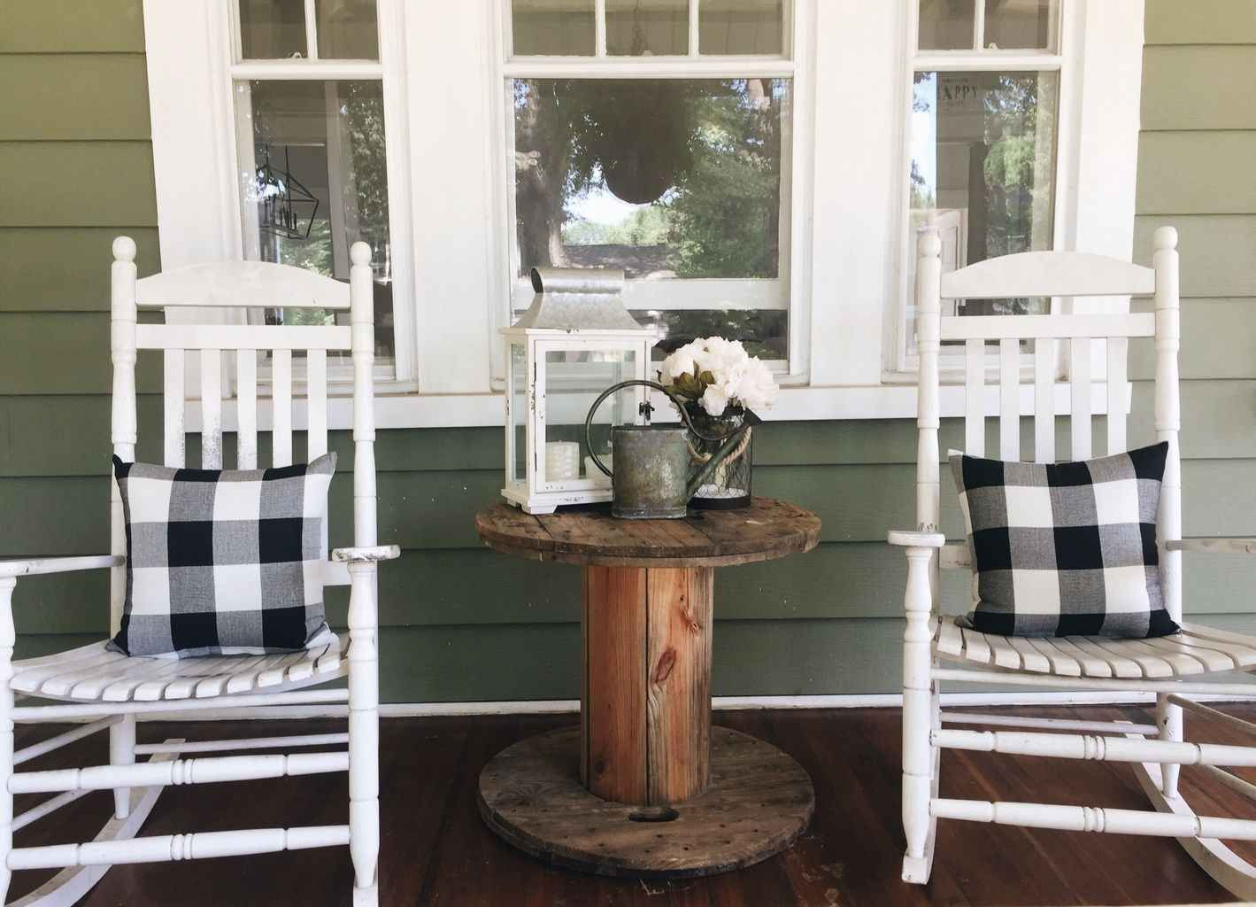 85 Gorgeous Summer Front Porch Decor Ideas #fallfrontporchdecor