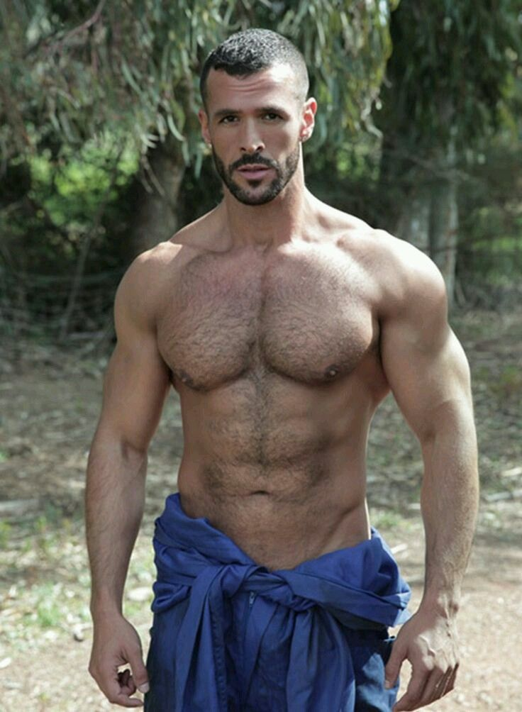 Muscley hot gays get dirty