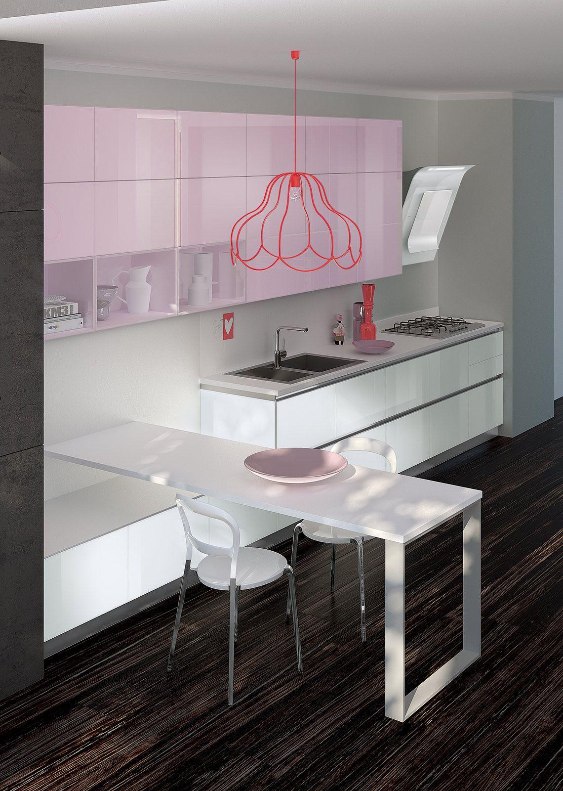 Il colore rosa dei pensili personalizza questa composizione di ...