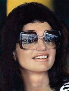 d0e62ac586 Jackie Kennedy Wearing Nina Ricci Sunnnies