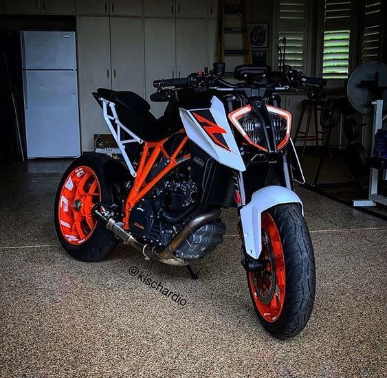 Pin on Supermotard - SM motorcycles