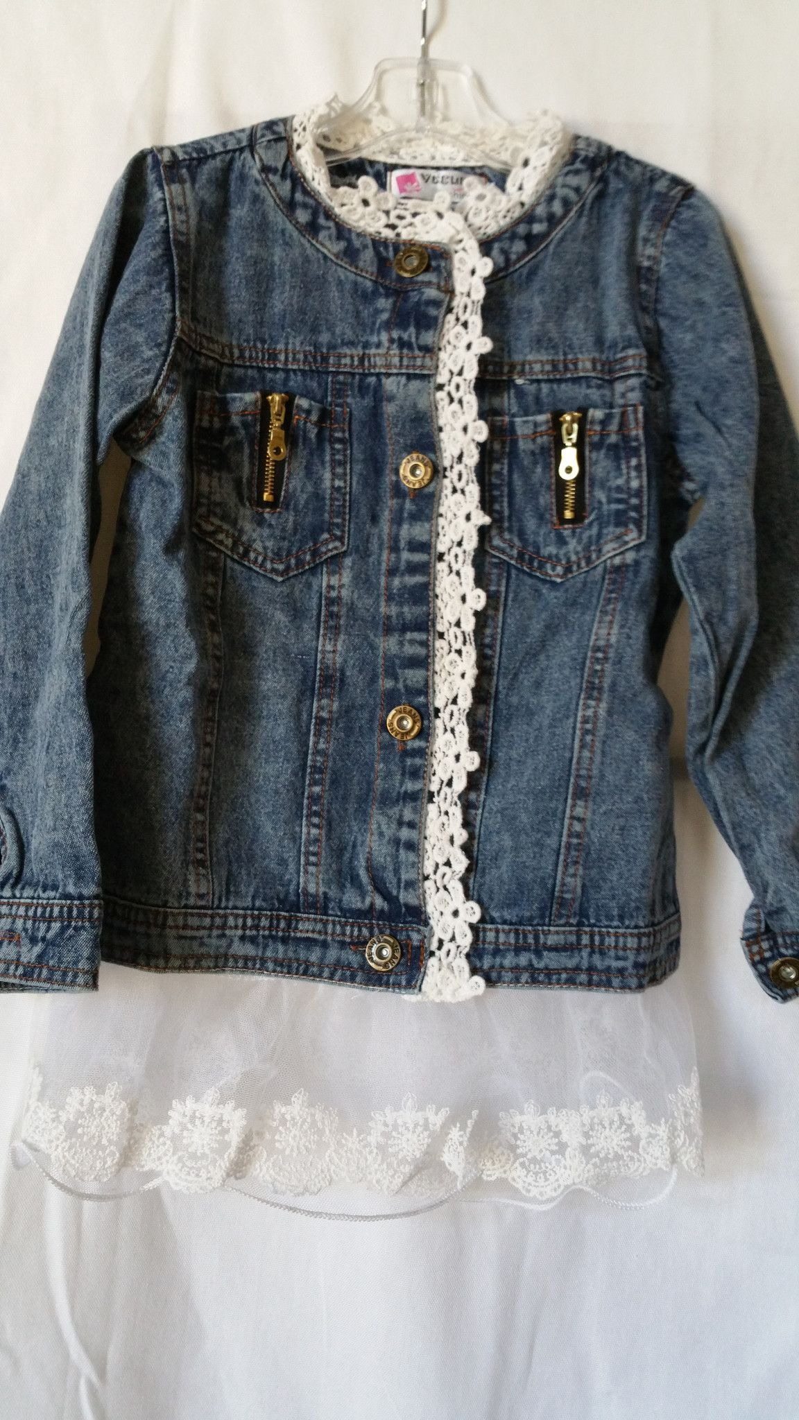Ivory Sleeves At Lace Jacket Denim With And Lovely Neckline Rqwtwap