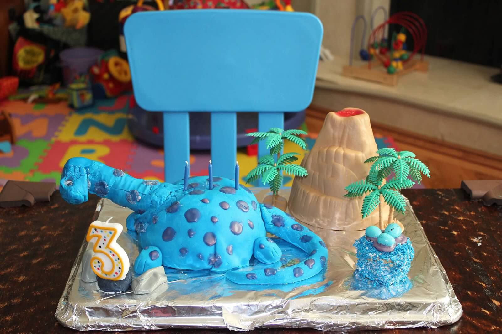Blue dinosaur cake My homemade cakes Pinterest Dinosaur cake