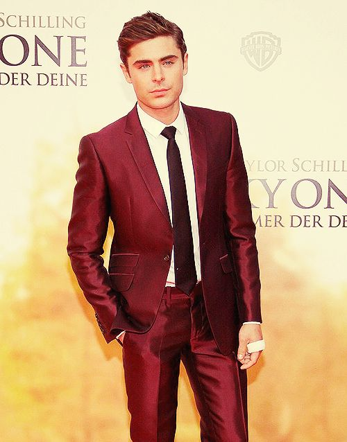 I love this suit! Zac #Efron is #perfection personified | Leading ...