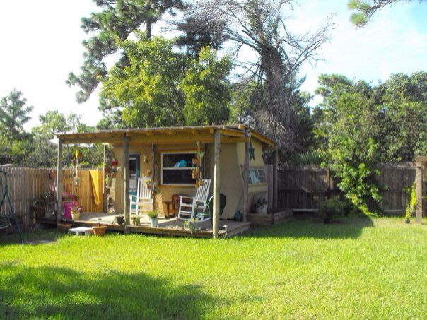 My moms travel trailer craft house with front porch i was for Portico anteriore a trave aperta