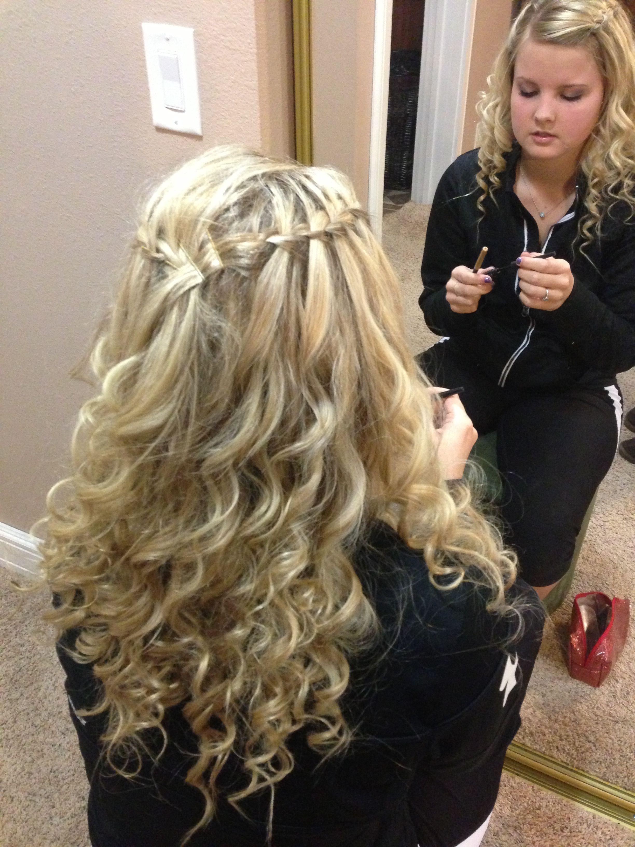 looks like my middle school friend samantha! :)   blonde