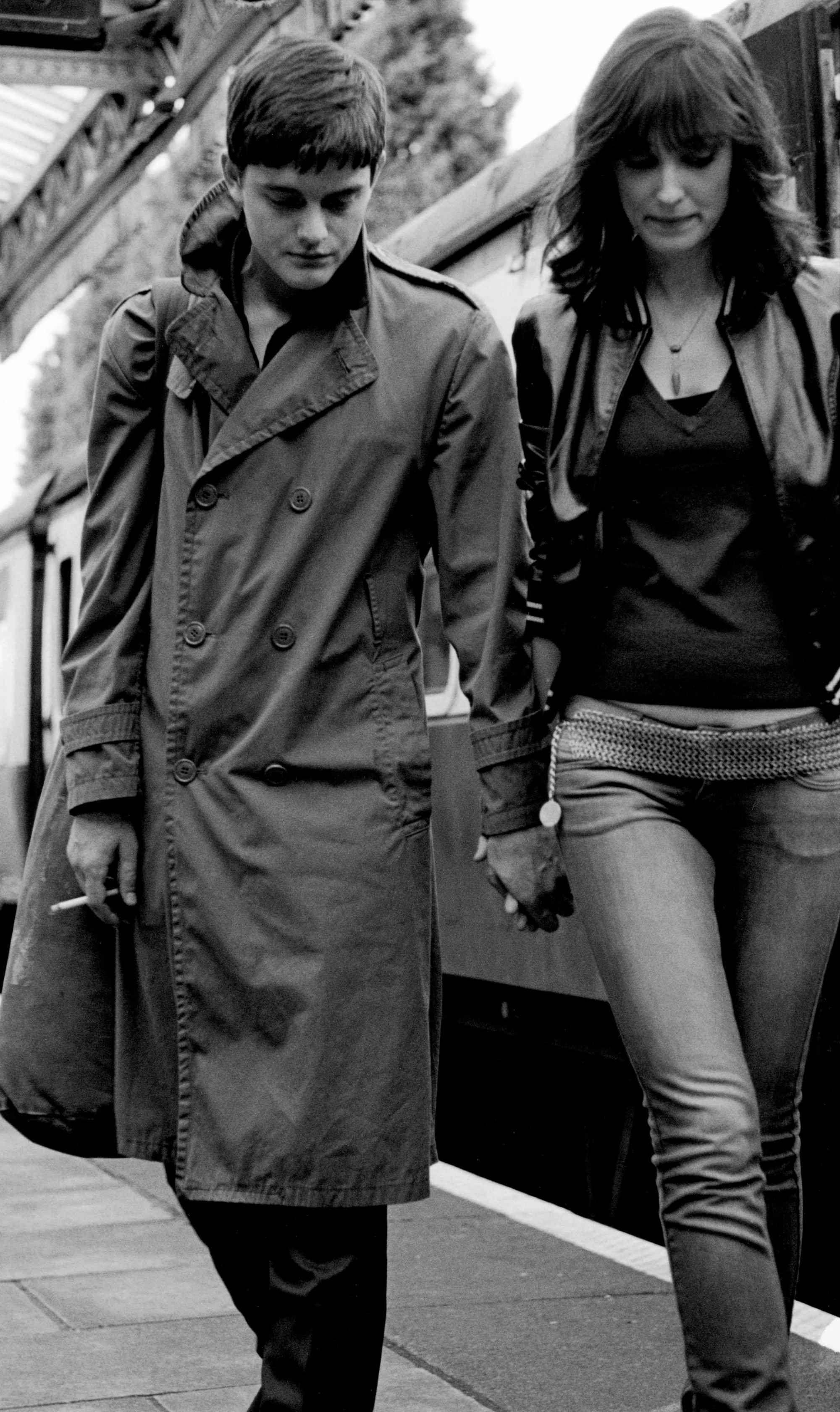Sam Riley And Alexandra Maria Lara In Anton Corbijn S Control