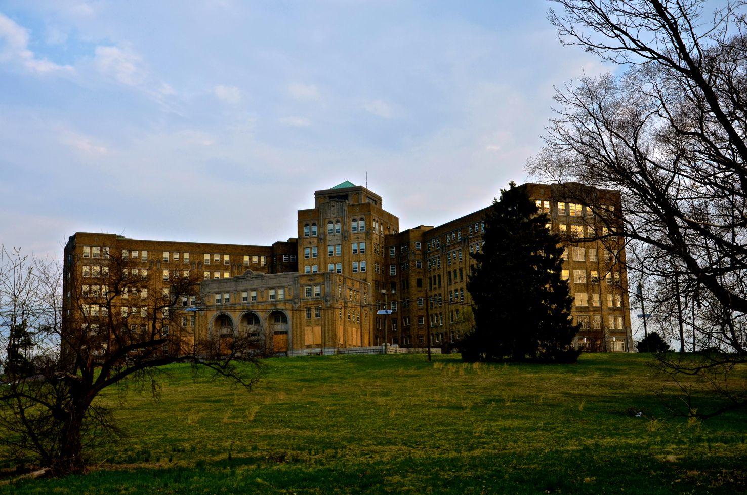 Belleville Schools Shift Sixth-Graders to Middle School