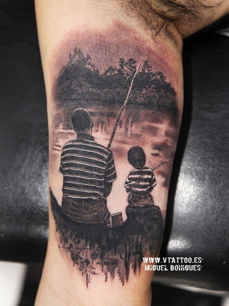 Hoy Nos Ha Acompanado Carles Ha Empezado A Tatuarse La Parte