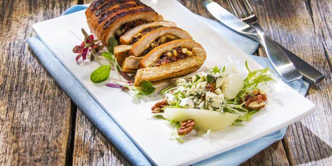 Viljaporsaan lankkupihvi BBQ- ja päärynä-sinihomejuustosalaatti. Tätä grilliruokaa kannattaa kokeilla! Katso kaikki grilliherkut osoitteesta www.grillaamo.fi