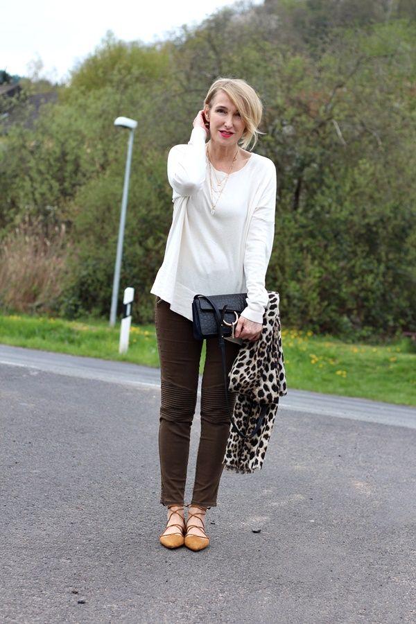 4610a2302f2ab6 A fashion blog for women over 40 and mature women Sweater  Massimo Dutti  Pants + Shoes  Zara Bag  Chloe Faye