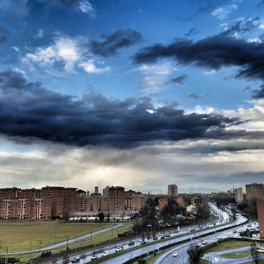 #scatti_italiani #snapseed #milanodavedere #storm #italy #galaxynote5 #igersmilano by mobileographia