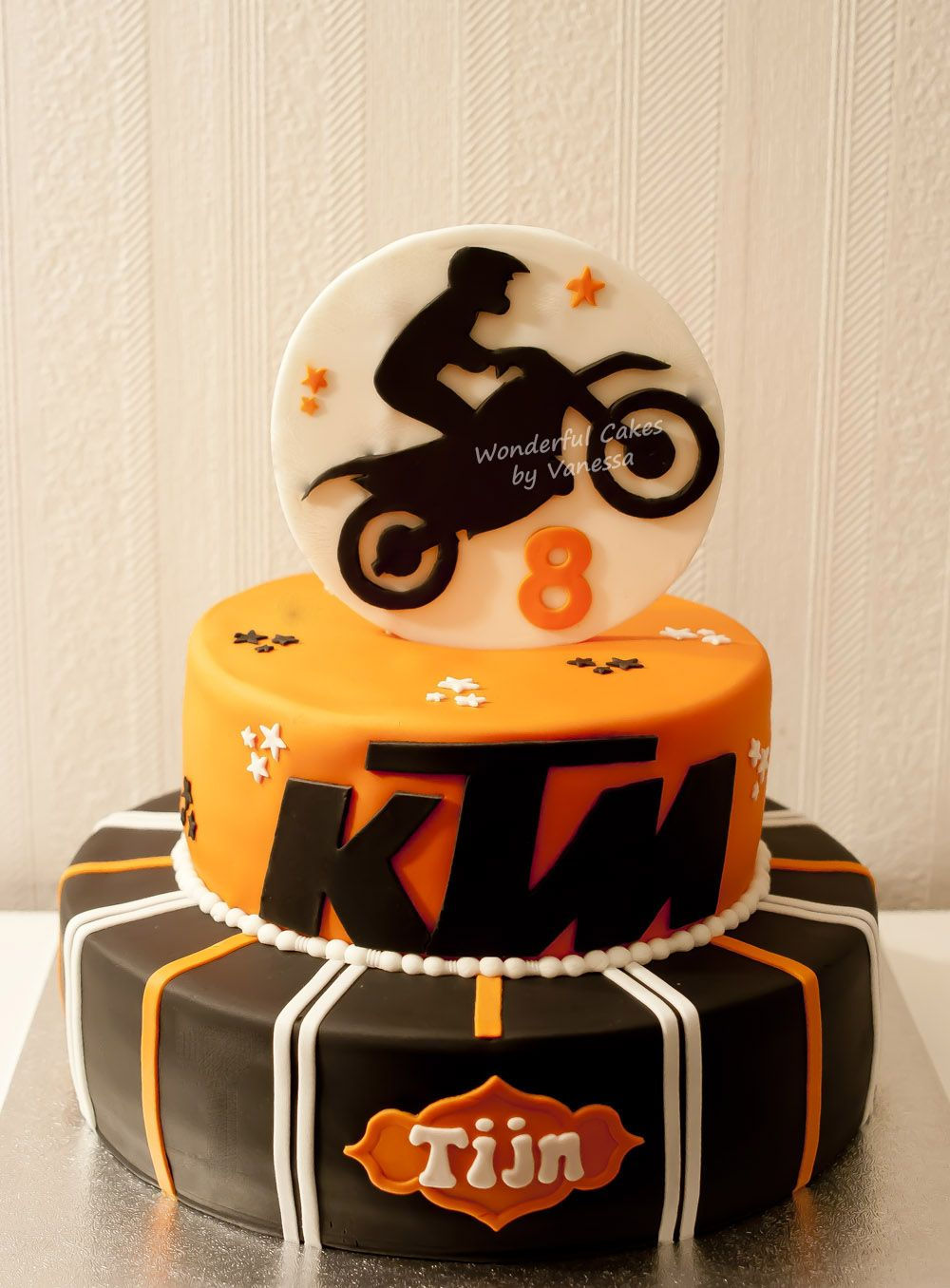 Ktm Cake In 2019 Motorrad Torte Motorradkuchen Und Kuchen