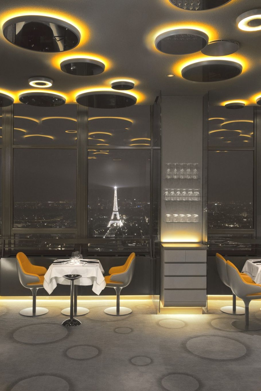 Ciel De Paris Restaurant Http Www Adelto Co Uk Uber Luxue Ciel De Paris Restaurant Interior Design Examples Restaurant Interior Restaurant Interior Design