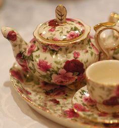 Beautiful Rose Tea set!!!