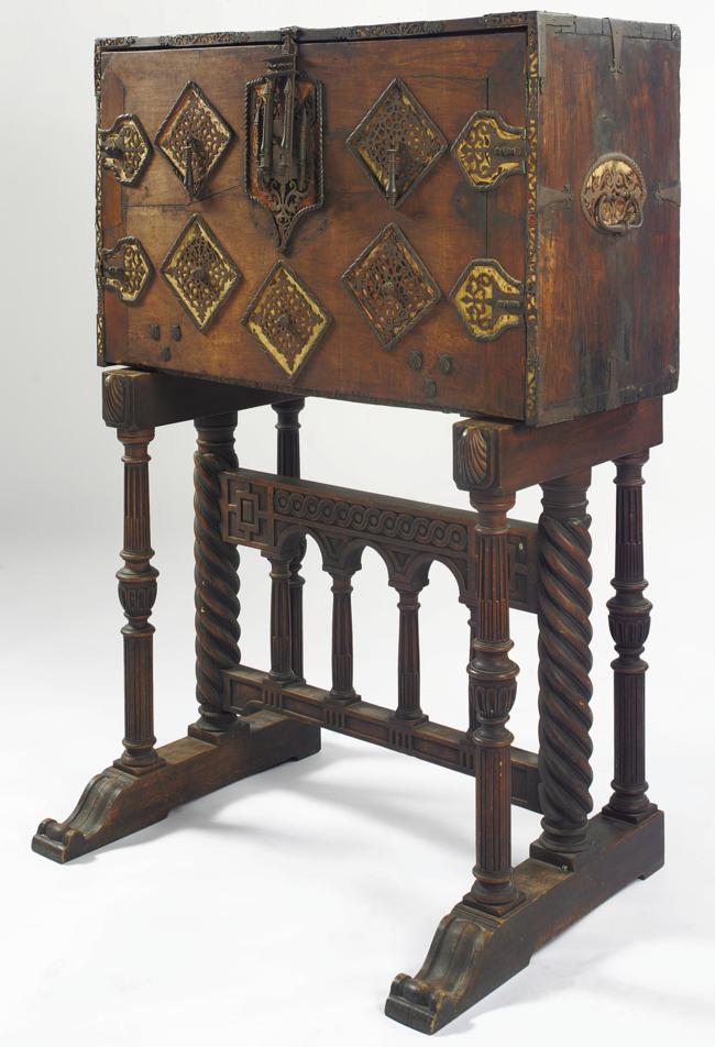 Lot Sotheby S Mittelalterliche Mobel 17 Jahrhundert Angewandte Kunst