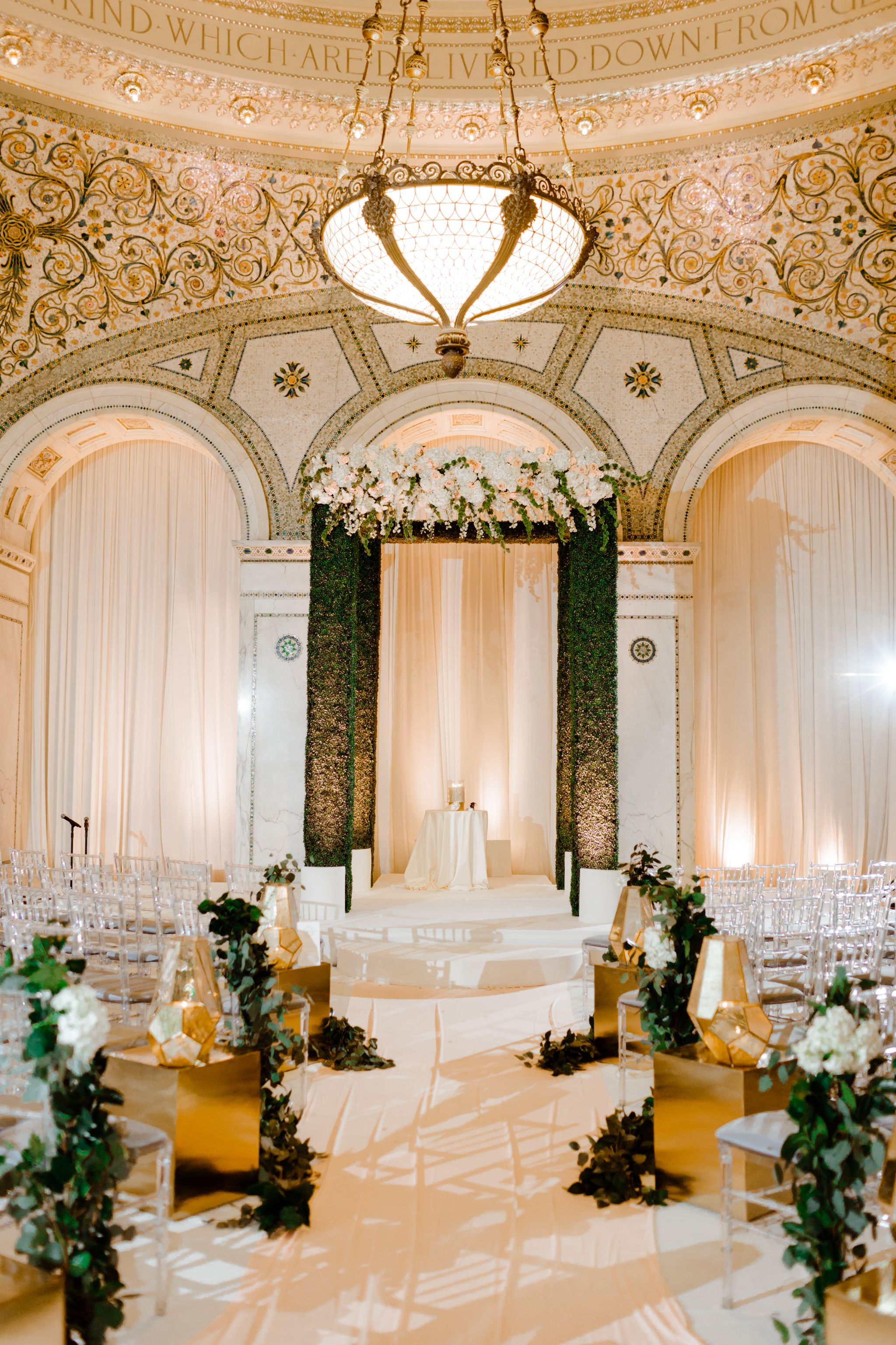 Pin By Kerri Quigley On Wedding Flowers In 2020 Chicago Cultural Center Wedding Chicago Cultural Center Chicago Wedding Venues