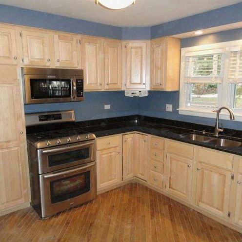 59+ Maple Cabinets With White Countertops Backsplash Ideas ... on Maple Cabinets Countertop Ideas  id=49615