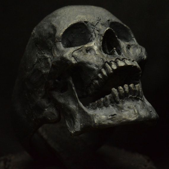 Skull With Jaw Dropped: Large Open Jaw Silver