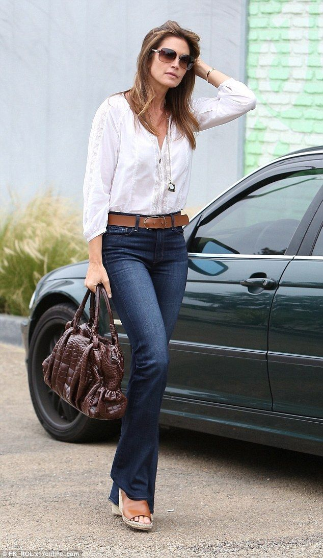 Cindy Crawford turns back time as she goes boho chic in ...