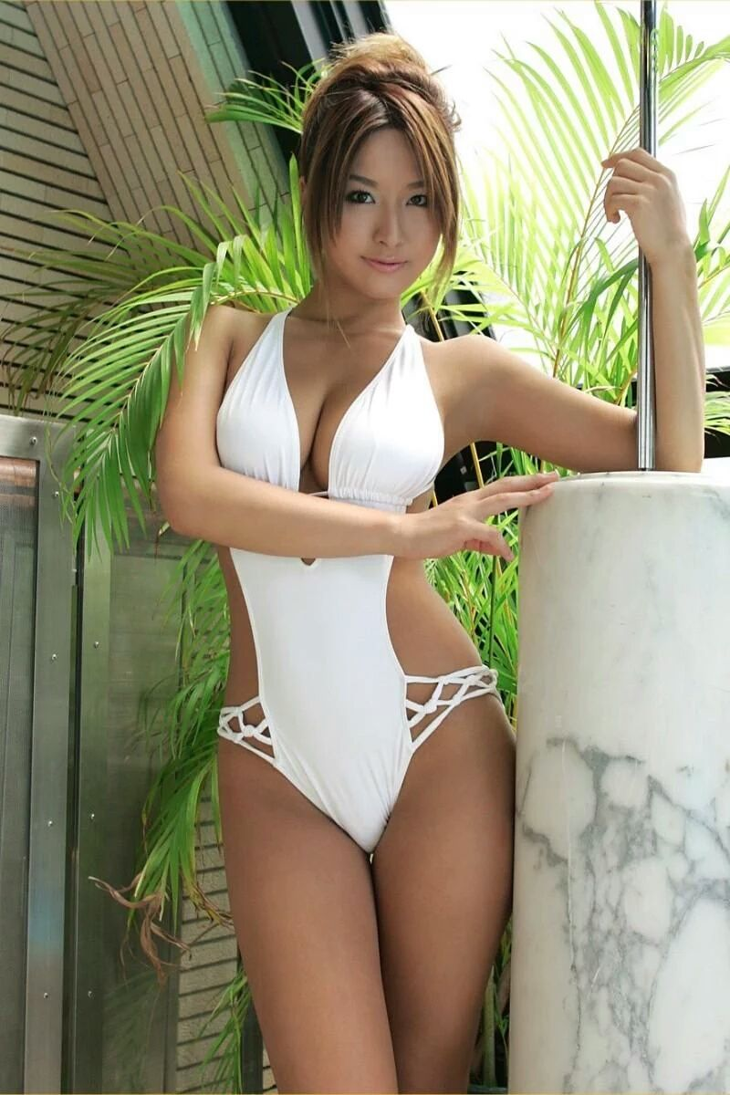hot babes naked asian bathing suites