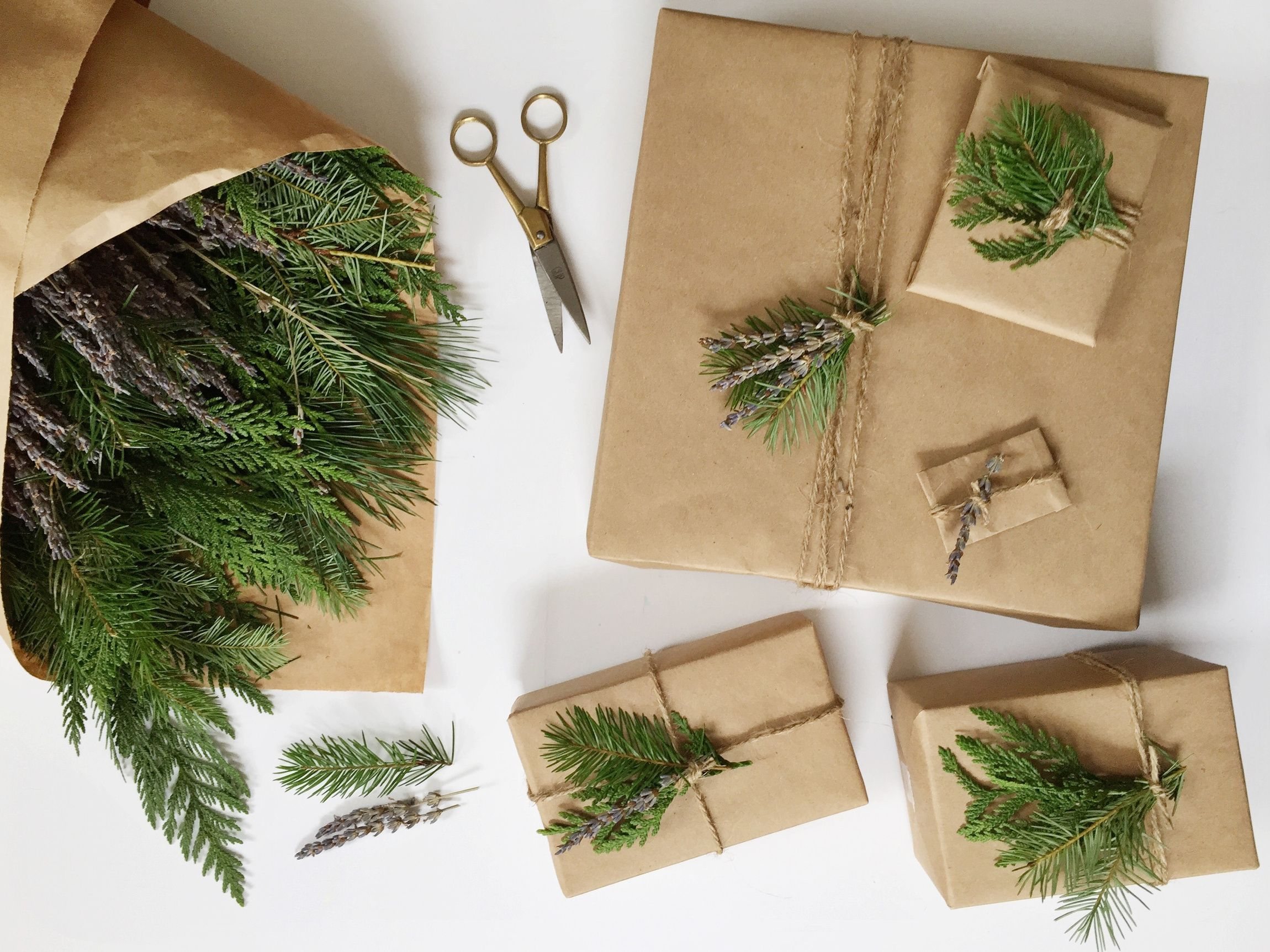 holiday wrapping DIY    Claire Zinnecker Design