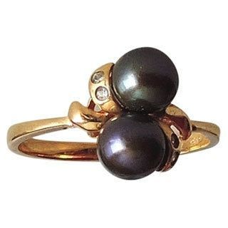 14k Gold and 2 Black Pearls Size Ring