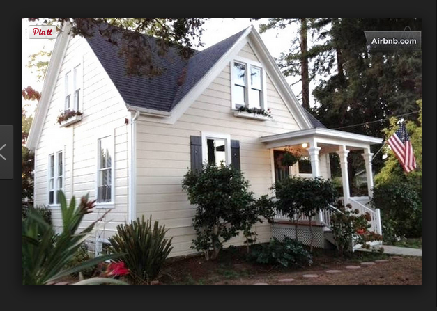 Small Farmhouse Vintage farmhouse, Renting a house, Old