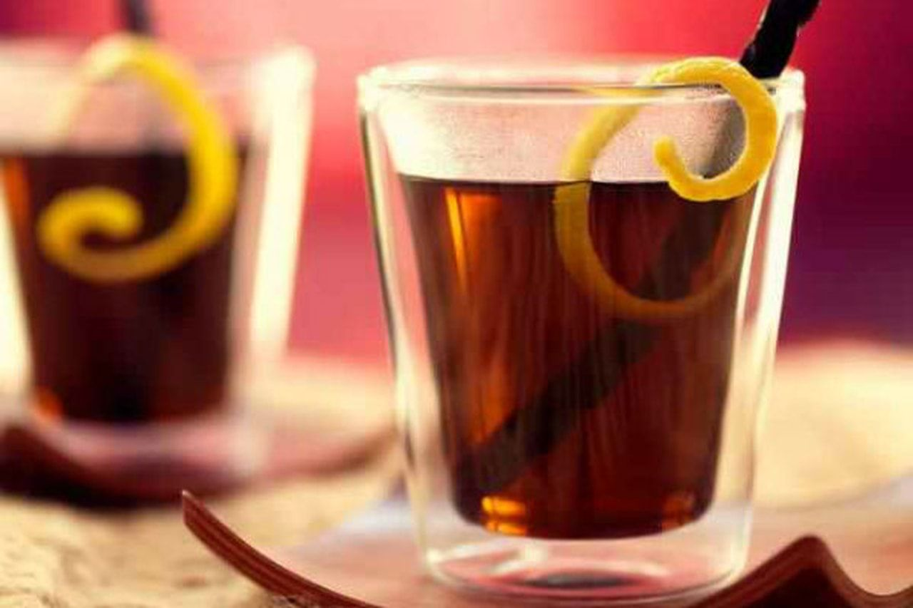 اجمل وصفه لعمل مشروب العرقسوس مقادير 8اشخاص 200 جرام عرقسوس مطحون ملعقة صودا الخبز 2 لتر ماء س Health Food Glassware Moscow Mule Mugs