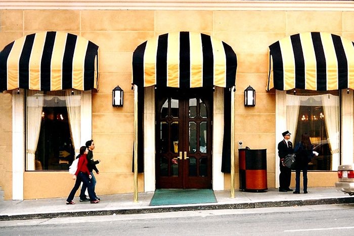 Awnings Ask If They Can Do Continuous Length With The Scallop On High Wall Google Image Result For Http Www P Shop Awning Storefront Design Awning Canopy