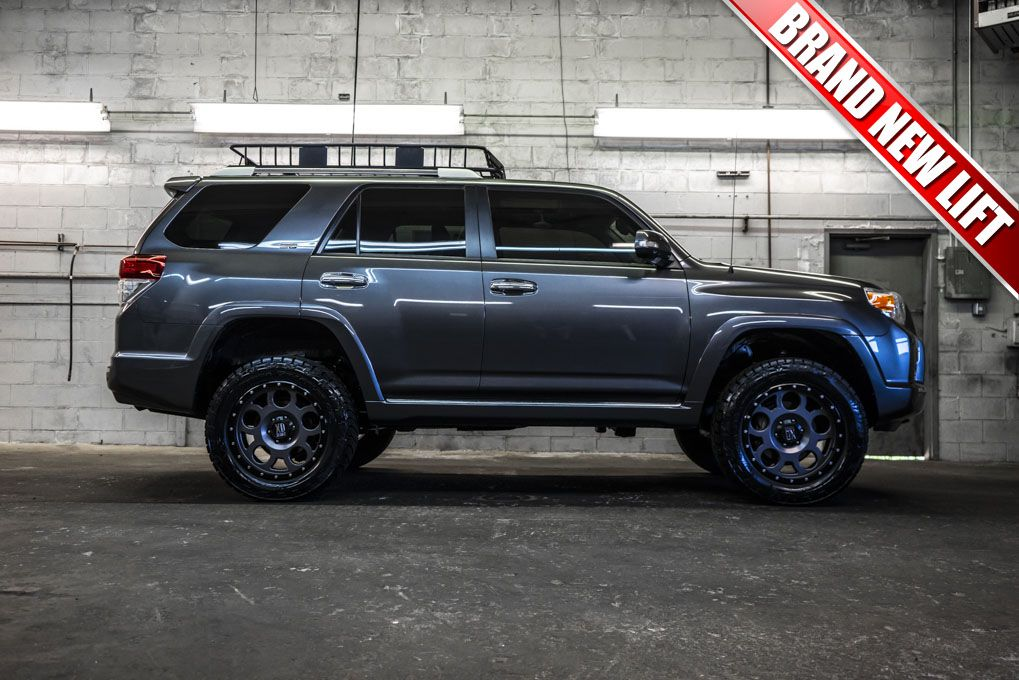 2011 Toyota 4runner Sr5 4x4 With A Brand New 3