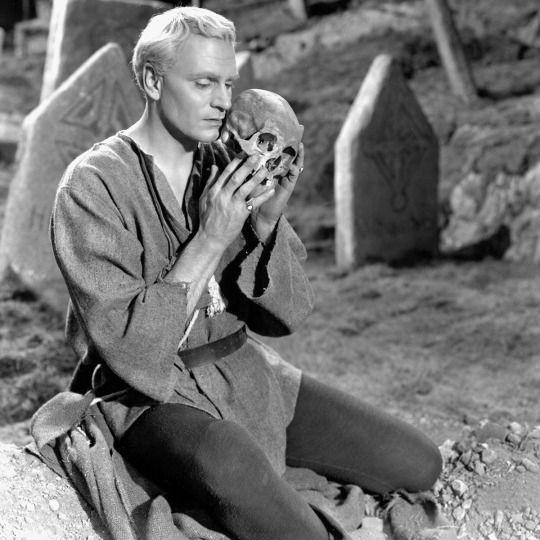 Laurence Olivier as HAMLET ('48) | Best picture winners ...
