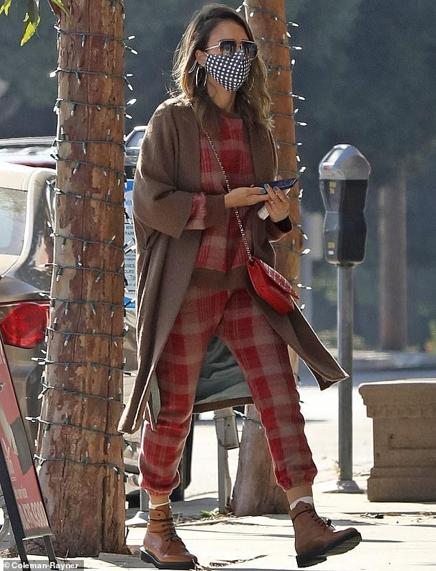 Jessica Alba puts dapper spin on California casual