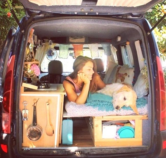 pam the van elle parcourt l europe bord d un kangoo am nag am nagement amenagement van et. Black Bedroom Furniture Sets. Home Design Ideas
