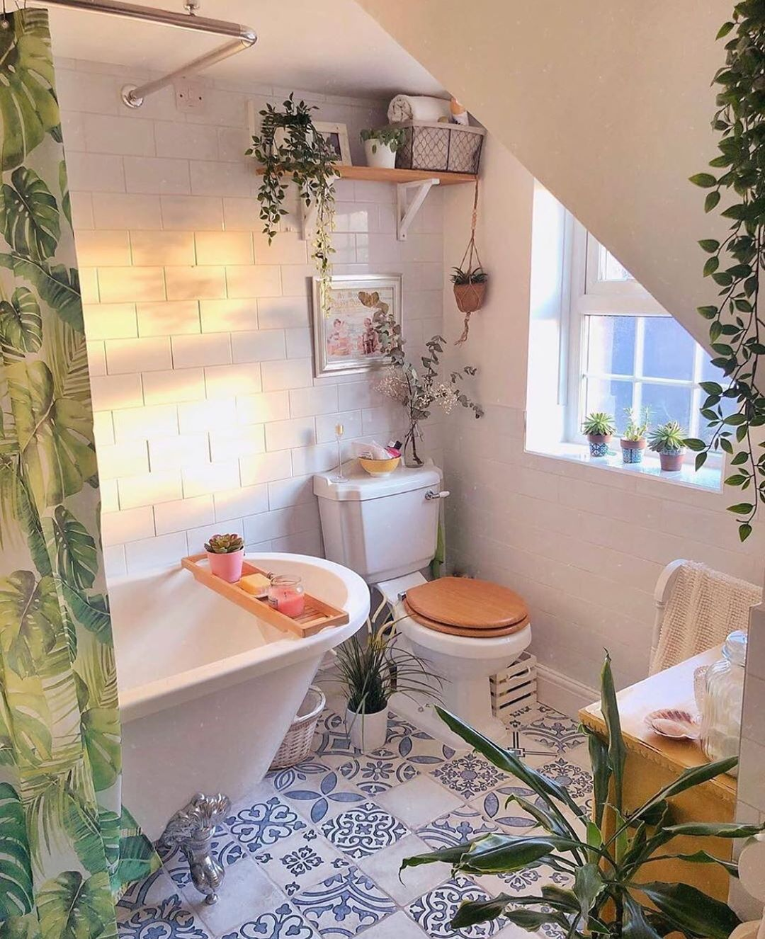 Design Your Spaces On Instagram What A Dreamy Bathroom What Do You Think This Space Follow Design Your Sp Home Beautiful Bathtubs House Inspo Home decor dream decorate small bathroom