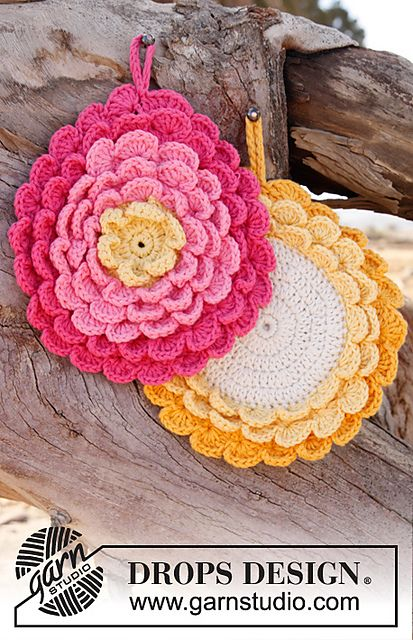 Ravelry: 147-21 Flower Power - Pot holder in Paris pattern by DROPS design