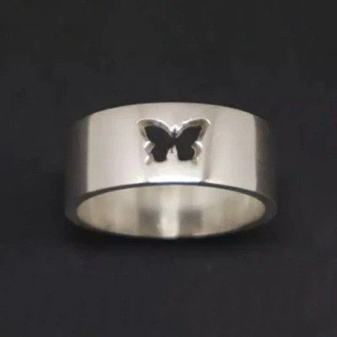 Butterfly Ring Set Matching Rings For Couples Butterfly Couple Ring Set His and Her Promise Ring Stackable Ring Anniversary Gift Dainty Ring Product Information : Are you struggle to find a unique gift for your loved one..? Best Gift for lovers - Promise Couple Rings Set Material : 925 sterling silver Ring Size: We can make from US 5 - 11 Butterfly Ring Best Gift For : Lovers, Girlfriend, Boyfriend, Engagement, Husband, Wife, Wedding, Anniversary, Christmas. Let this couple rings be your mini-ce