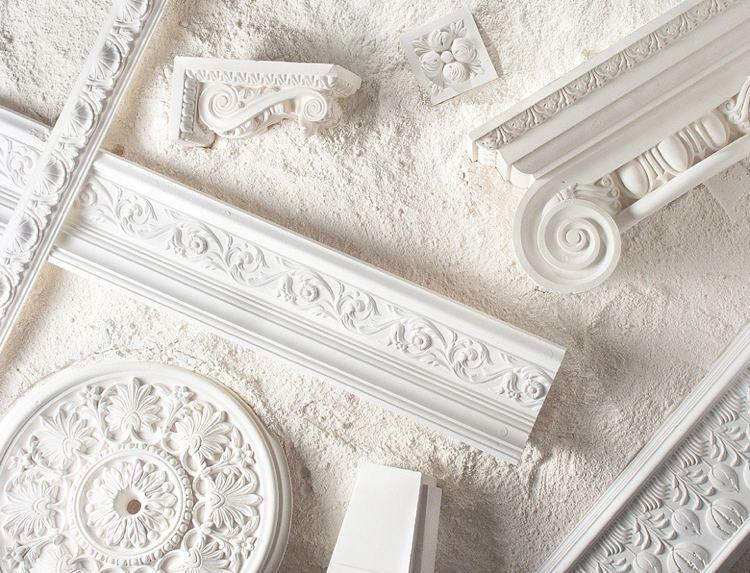 Stuckleisten Rosetten Und Zierprofile In Der Modernen Wohnung Stuckleisten Led Stuckleiste Dekorieren