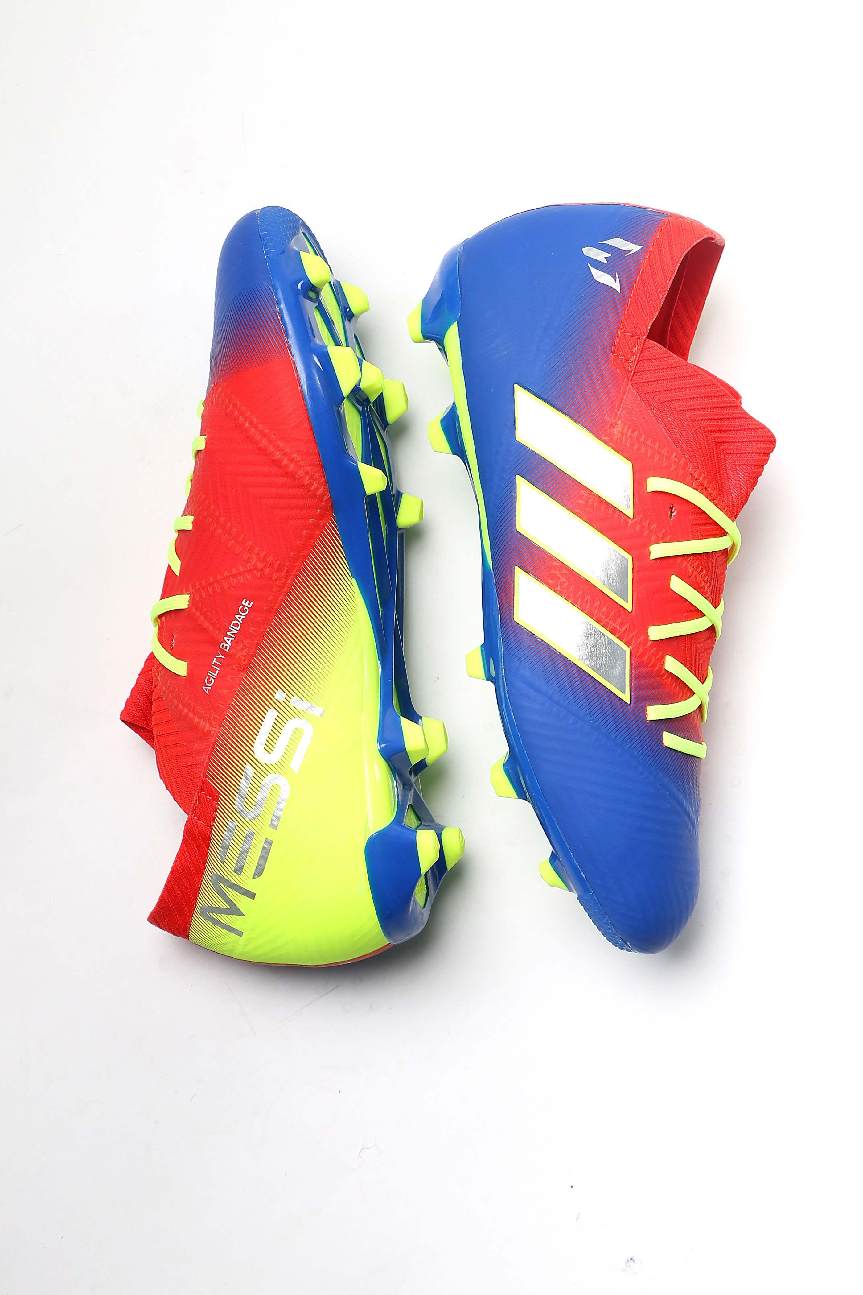 Las botas y zapatillas de Messi para niños están en  futbolmaniakids f53f842adcd77