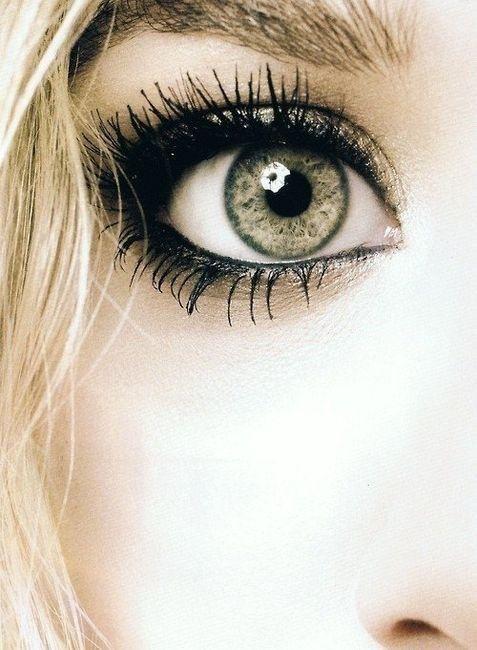 eye make up // eye liner // eyes