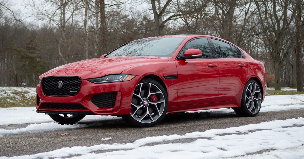 2020 Jaguar Xe Review Thinking Outside The Box Jaguar Xe Fuel Economy Benz C